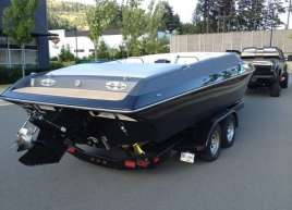 matte-silver-and-gloss-black-boat-wrap